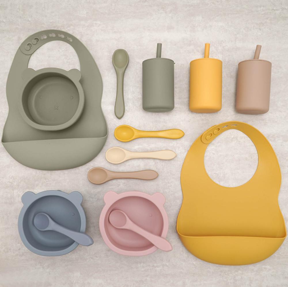 مرايل أطفال من السيليكون خالية من مادة BPA ، تصميم جديد على شكل حيوانات ، كوب مصاصة للشرب مع غطاء