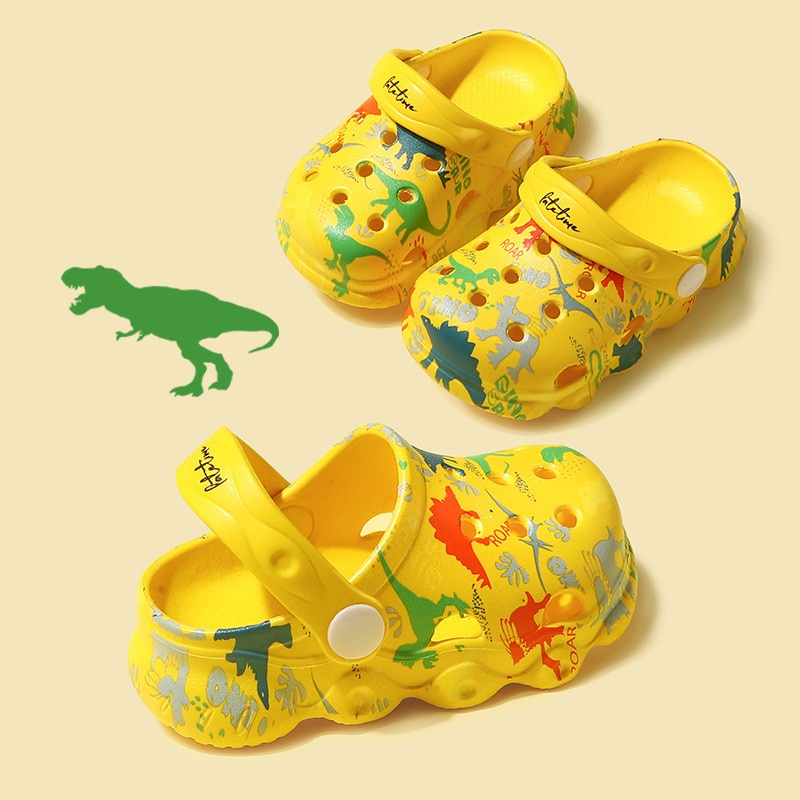 Children cartoon hole shoes summer boys and girls infant slippers baby non-slip soft bottom cartoon