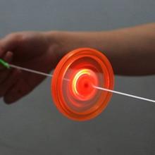 1pc Flash tirer ligne Led volant volant chaud feu roue lueur volant volant sifflet créatif classique jouets pour enfants cadeau