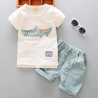 Новинка 2021 года, комплекты одежды для мальчиков летняя футболка с коротким рукавом и круглым вырезом с рисунком крокодила топы и шорты хлоп...