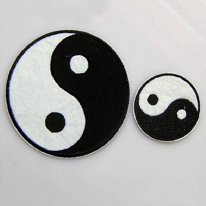 1pc Tai taoísmo chino símbolo apliques Ying Yang parche clásico Feng Shui Yin Yang hierro en bordado parche apliques de ropa