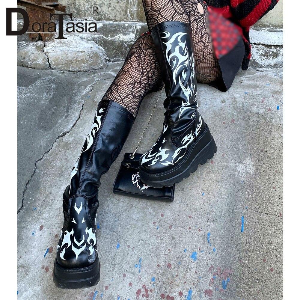Marca de Design Doratasia Senhoras Plataforma Botas Moda Impressão Zip Cunhas Salto Alto Femininas Gótico Cosplay Sapatos Mulher
