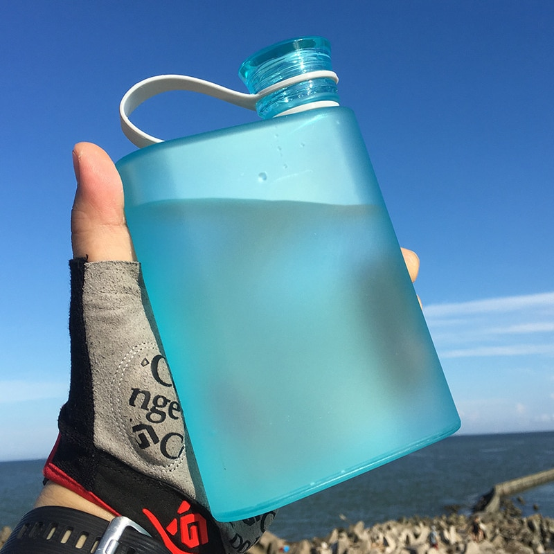 A6 A5 ورقة زجاجة ماء BPA الحرة البلاستيك زجاجة ماء مسطحة السفر زجاجة مسطحة المحمولة الرياضة دفتر وسادة شرب زجاجات قارورة