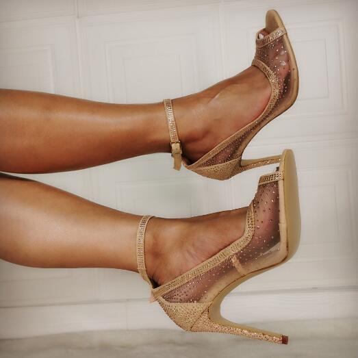 100% fotos reales de moda oro diamante claro PVC Peep Toe hebilla sandalias Bling finas ostentosas tacones de boda Sandalias Zapatos mujer