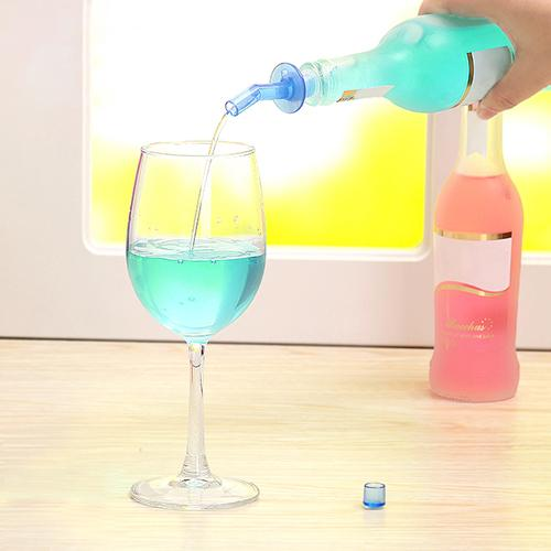 4Pcs Bottle Pourer Pour Spout Stopper Liquor Olive Wine Dispenser Vinegar PP Plastic