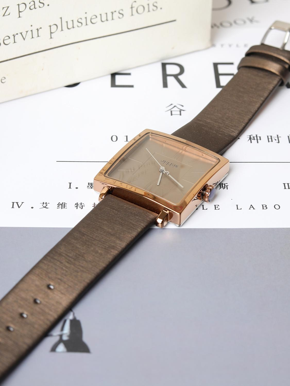Big Sale Women's Simple Fashion Trendy Watch Big Dial Square Leather Band Wristwatch Quartz Women Watches Waterproof Clocks Top enlarge
