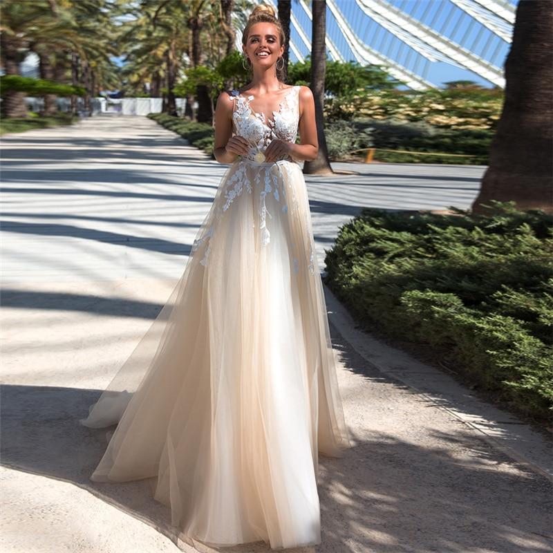 Review 2021 Wedding A-Line  V-neck Dress Lace Appliques Tulle  Wedding Dress Sleeveless Princess Bride Dress Robe De Mariee