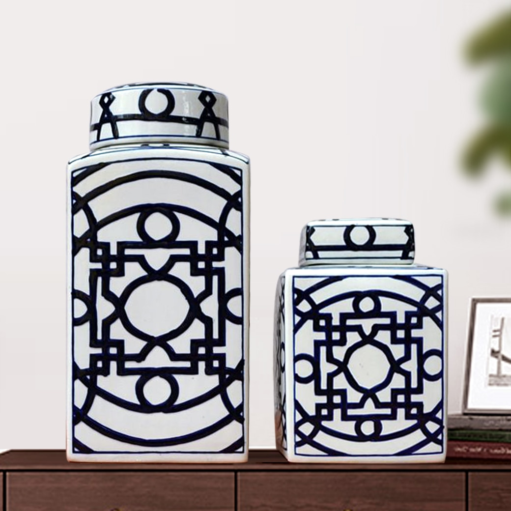 Jingdezhen hand painted new Chinese blue and white ceramic square jar with cover home living room decoration model room soft dec