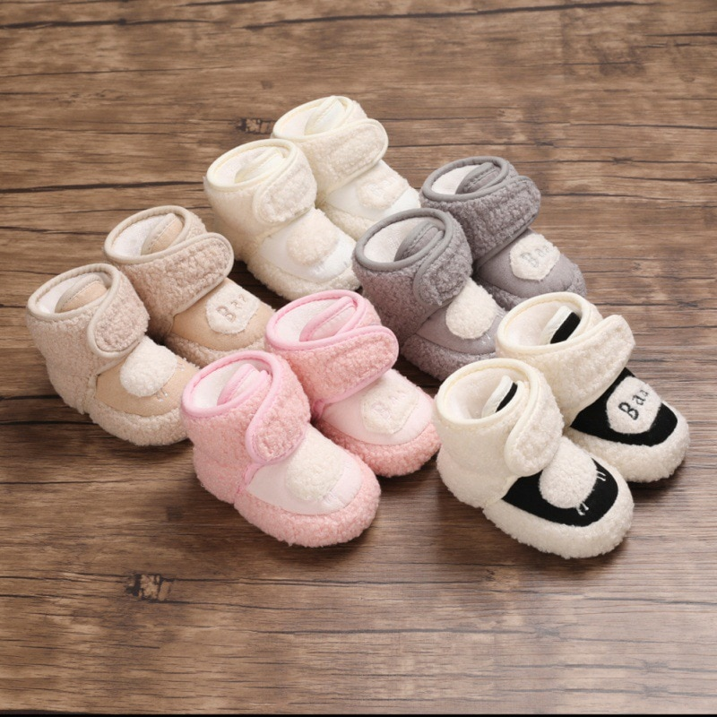 Nowonarodzone dziecko buciki zimowe aksamitne dziewczynek buty Super słodki śnieg ciepłe Prewalkers miękka podeszwa antypoślizgowe botki 12S29