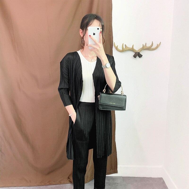 Breve estilo plisado Japonés Issey Miyake hasta la rodilla Trench sólido suelto arruga abierta puntada 2019 nuevo otoño más tamaño mujeres abrigo
