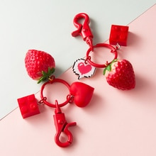 Kawaii Schlüssel Kette Nette Auto Schlüssel Ketten Handtasche Anhänger Tasche Charme für Erdbeere Schlüssel Ringe Halter Liebhaber Paare Geschenk Zubehör