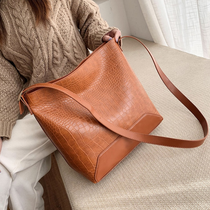 Ansloth Vintage Crocodile Pattern Large Capacity Bags For Women Luxury  Brand PU Leather Shoulder Bags Female Bucket Bag HPS1060