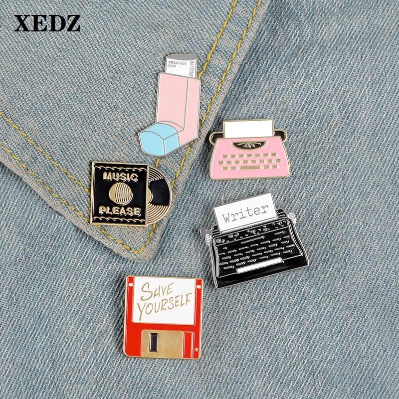 Estilo antiguo 26 Número de escritura de la impresora protege su tarjeta de memoria por favor música CD popular Pin colección regalo de broche de joyería