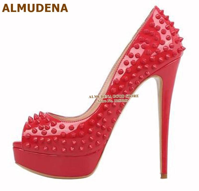 ALMUDENA, zapatos de tacón alto con remaches de plataforma de la mejor marca, tacones de aguja con punta abierta, zapatos de boda con tachuelas, zapatos de vestir rojos y morados