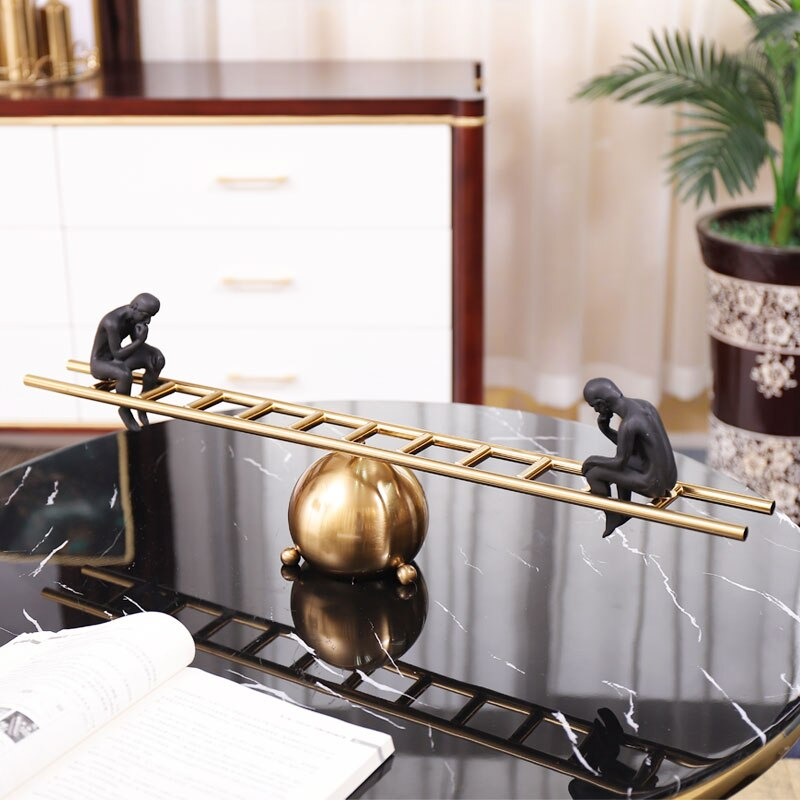Abstrato preto personagem sentado em um balanço de metal escada casa decoração acessórios estatueta sala estar ornamento presentes escritório