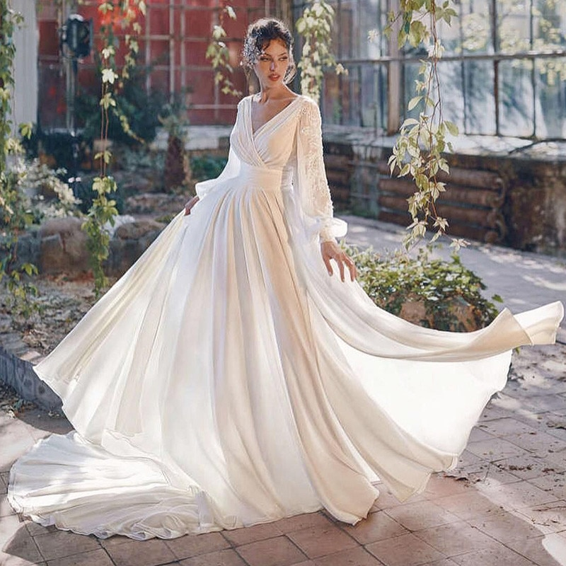Sexy Beach Bridal Dresses 2021 Summer Backless Wedding Dress Long Sleeve Lace Split Side A Line Wedding Gown Sweep Train Couture