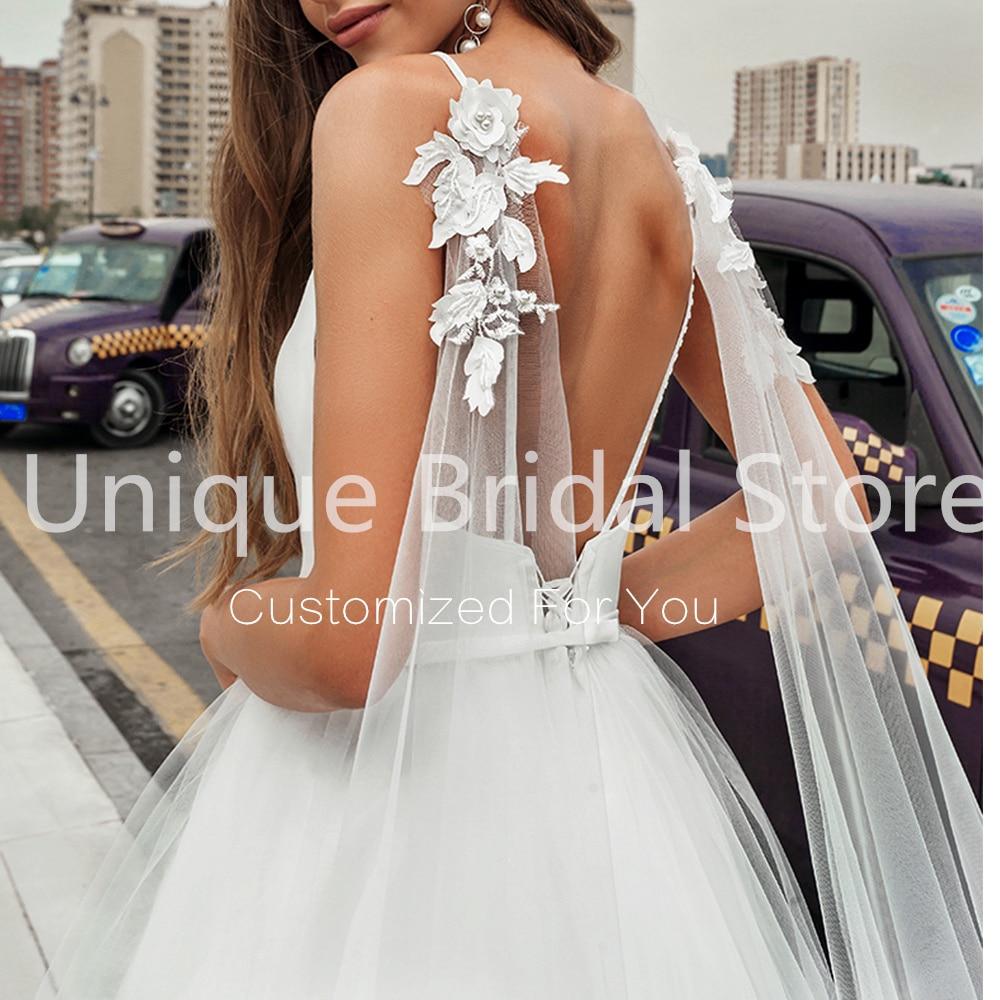 Charming Deep V-Neck Wedding Dress A-Line Tulle Sleeveless Lace Up Back Appliques Sweep Train Bridal Gowns 2021 Vestido De Noiva