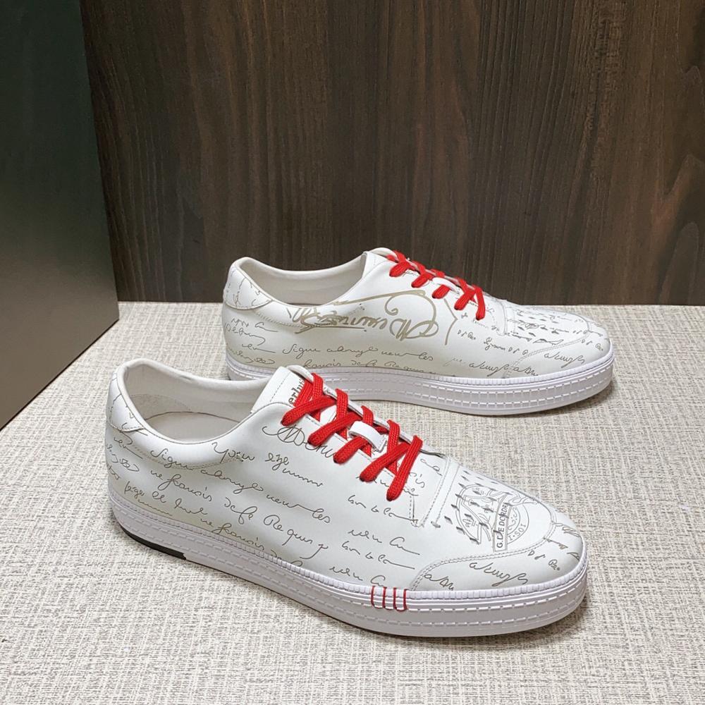 أندونيمي متعدد الألوان مخصص جلدية نغمتين الوحيد مع نمط أحذية رياضية كاجوال