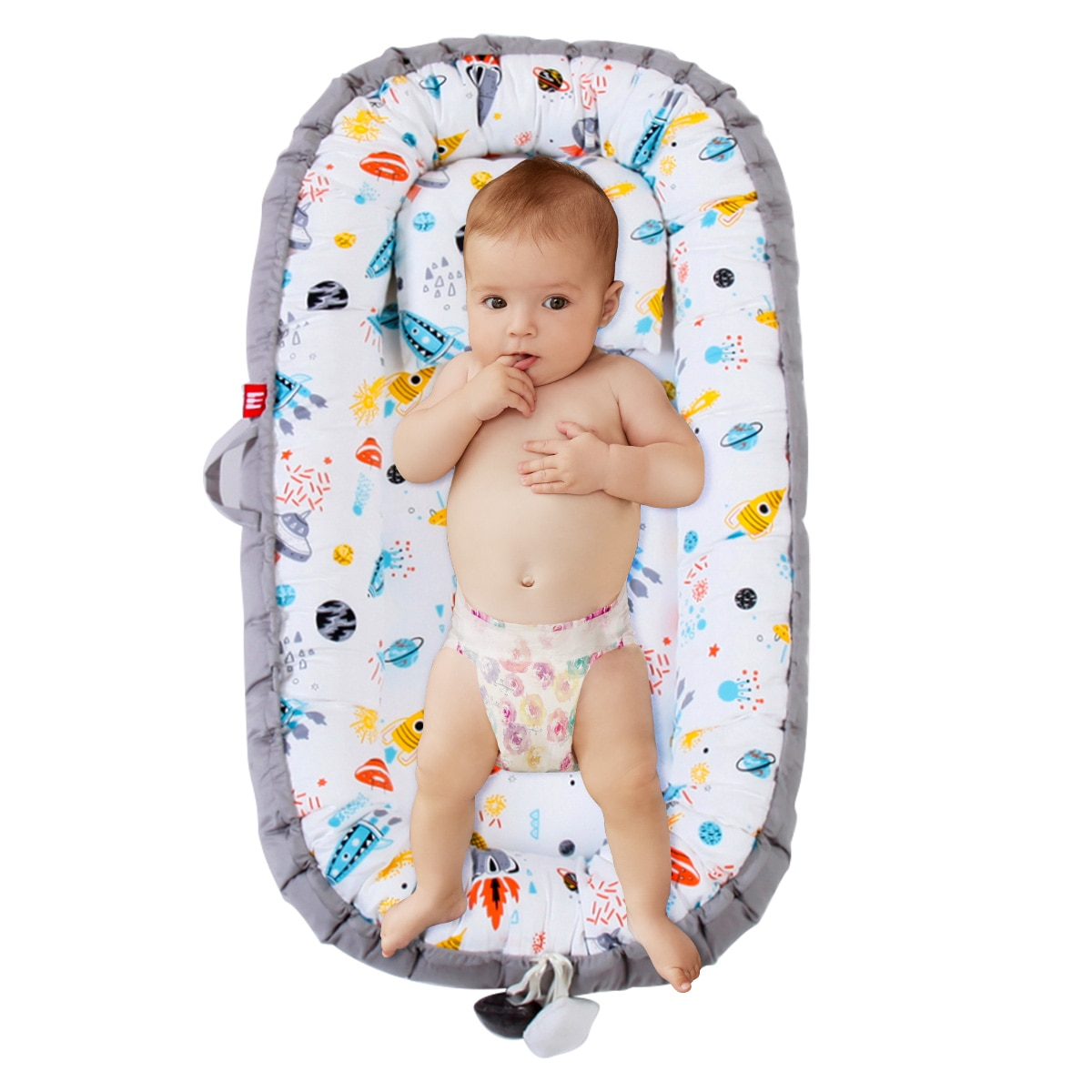 Portable Baby Lounger Travel Newborn Bed Detachable Infant Co-Sleeping Bassinet Mattress For 0-2 Years Old Babies
