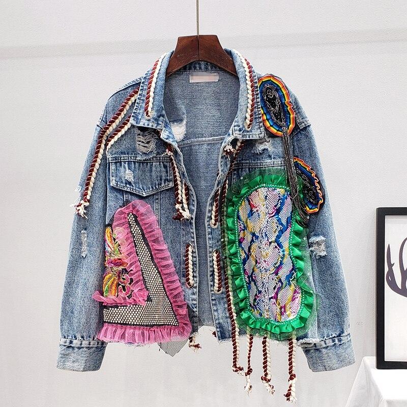 Женская джинсовая куртка-бомбер в уличном стиле на осень