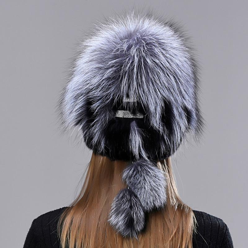 Winter Warm Tail Hats Women Skullies Fashion Natural Mink Fur Hats Pompom Fox Fur Hat Fluffy Female