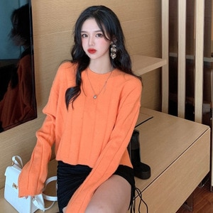 Autumn Winter New O-Neck Long-Sleeved Pullover Sweater Loose Thin Short Solid Color Bottoming Tops Female LL1013