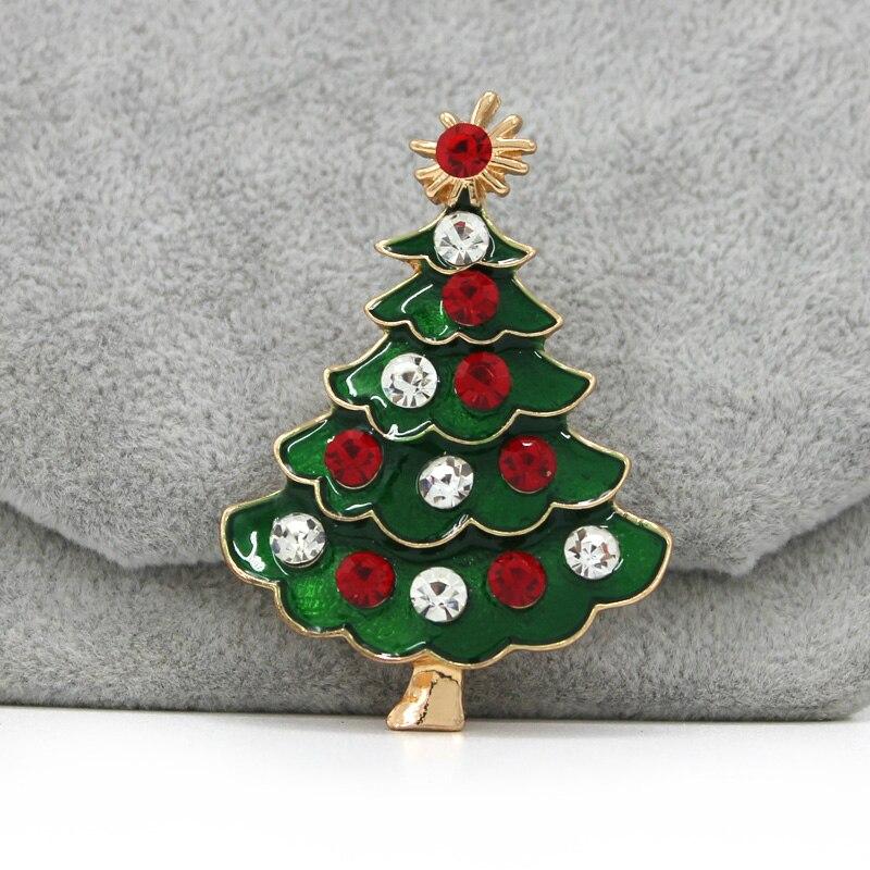 Presente de natal broche distintivo para mulheres ou crianças santa árvore meias chapéu sinos pinguins santa boneco de neve sika deer 2020 novo quente