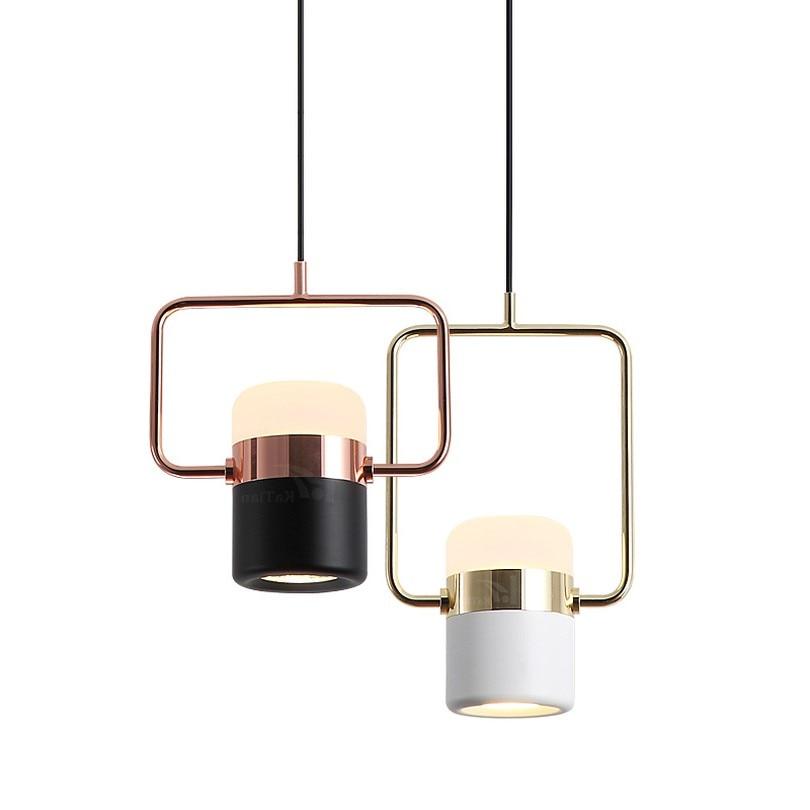 مصباح معلق Led دوار بتصميم إسكندنافي حديث ، معدن ذهبي ، حديد ، إضاءة داخلية مزخرفة ، مثالي لغرفة الطعام أو غرفة النوم.