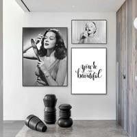Toile dart mural en Vogue pour femme  affiche de maquillage  levres rouges  noir et blanc  image imprimee pour decor de maison