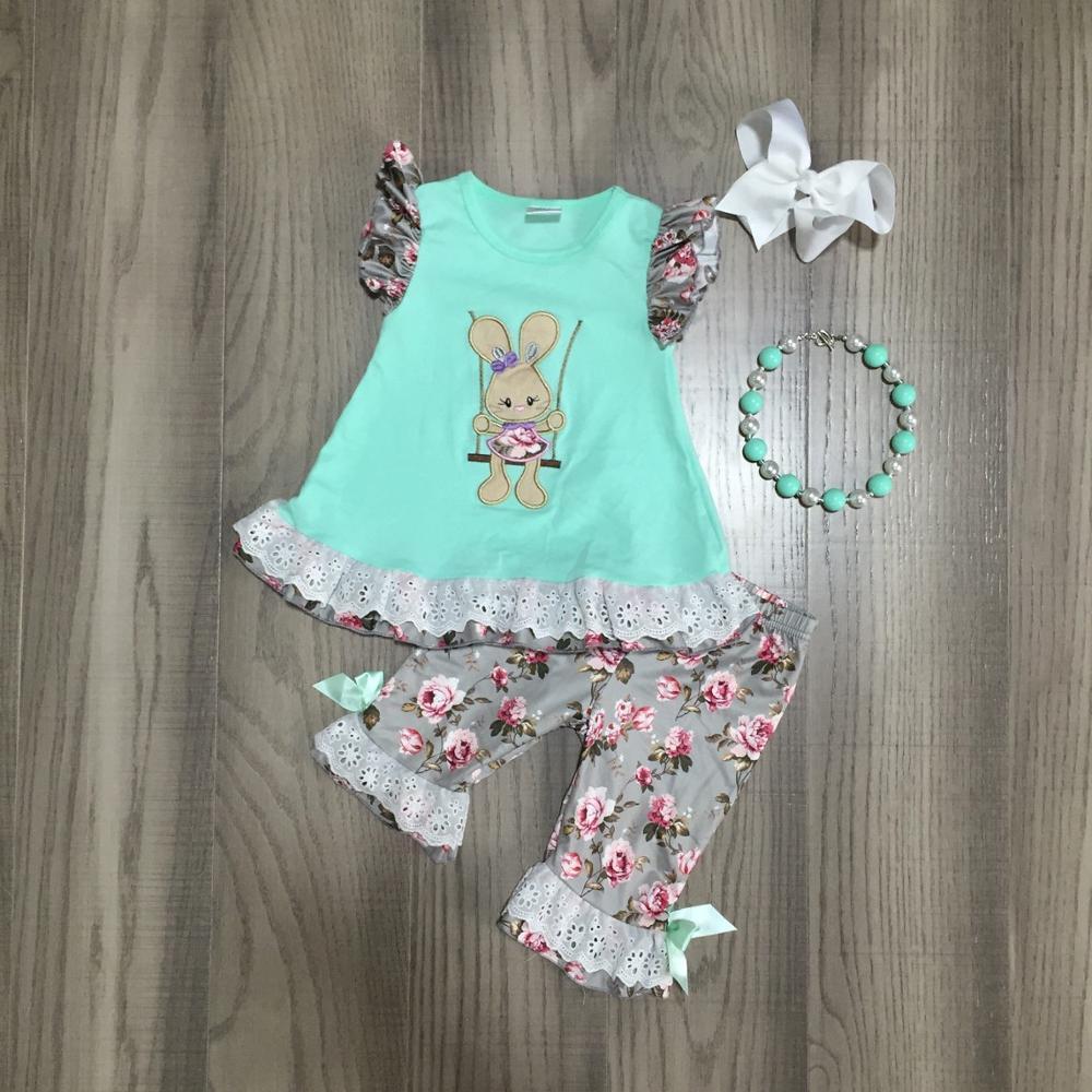 Primavera/Verano Pascua menta conejito superior gris flor capris bebé niñas ropa de algodón volantes boutique conjunto de accesorios de partido