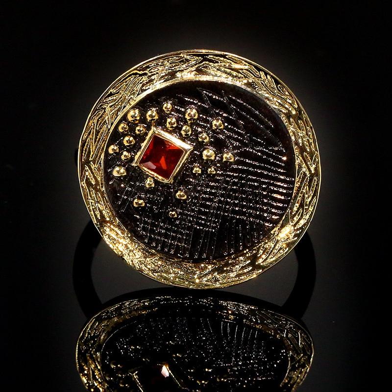 Retro mujer de dos tonos disco dorado Ginkgo hoja cortada Piedra Natural rojo transparente Zircon anillo femenino