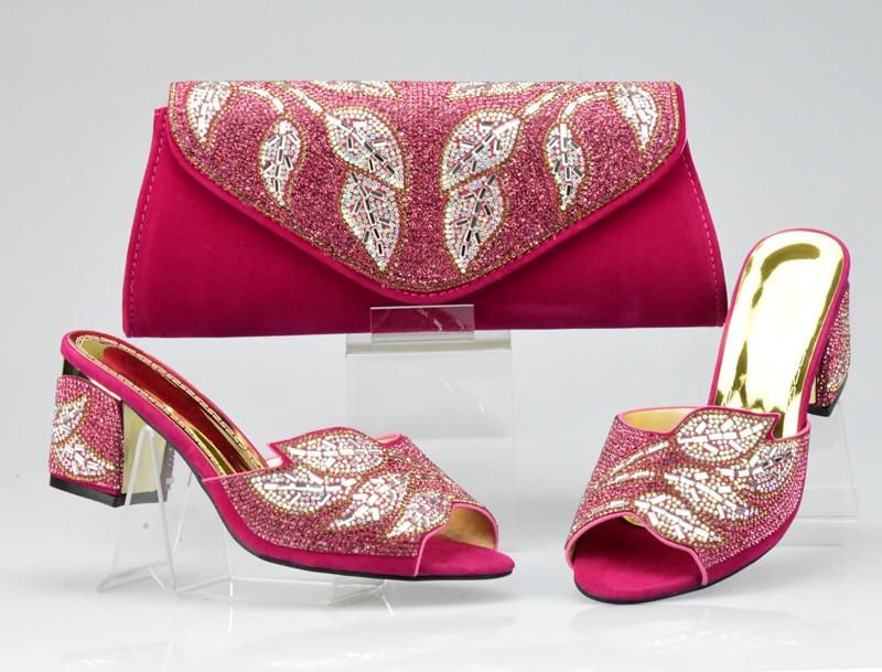 Lo último en conjunto de zapatos y bolsos a juego fucsia decorados con zapatos y bolsos africanos de diamantes de imitación para fiesta en bolsa de zapatos elegantes para mujer