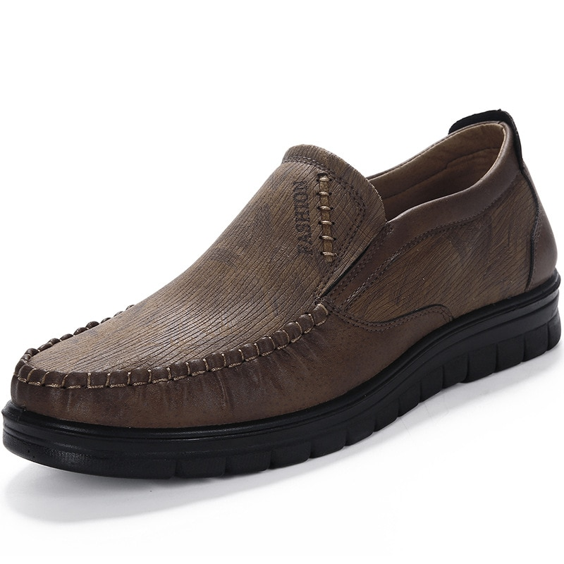 Homens confortáveis sapatos casuais mocassins sapatos masculinos qualidade split sapatos de couro apartamentos venda quente mocassins sapatos mais tamanho