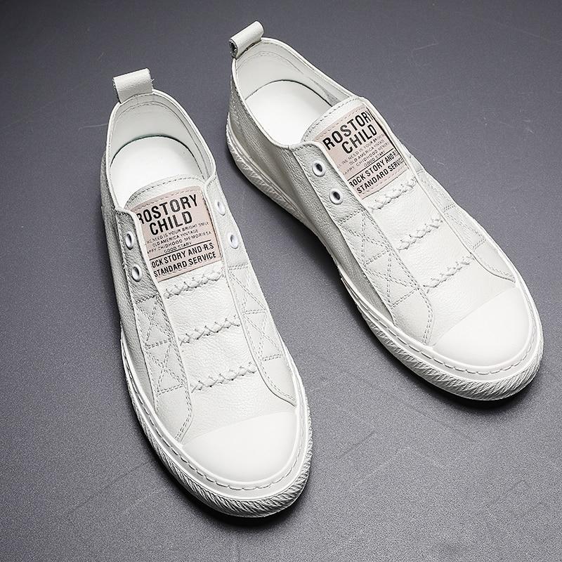 Autuspin أحذية رجالي عادية 2020 موضة جديدة أحذية جلدية حقيقية الرجال الانزلاق على الأبيض القيادة الشقق تنفس مريحة المتسكعون