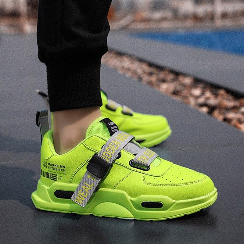 Zapatillas zapatos de hombre 2020 verano nueva personalidad transpirable deportes casuales zapatos de marea hombres de gran tamaño deportes hombres zapatos vulcanizados