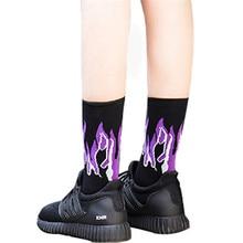 Calcetines frescos para mujeres Blakc Fire Print transpirable mediados calcetín algodón Hipster personalidad calle mantener caliente Sox femenino