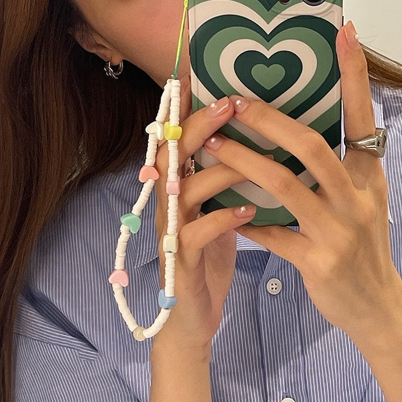 New Fashion White Soft Ceramic Acrylic Mixed Color Love Heart Mobile Phone Lanyard for Women INS Phone Chain Jewelry Gifts