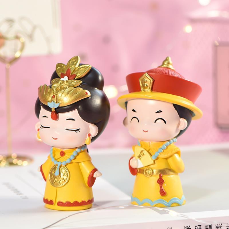 1pc novos imperadores criativos e rainhas na china antiga resina modelo boneca desktop decoração figura brinquedos para crianças presente