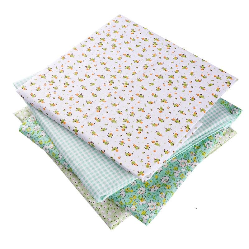 Verde 50X50cm 100% de algodón flores tela a cuadros para muñeca Patchwork ropa costura con aguja decoración navideña 53127