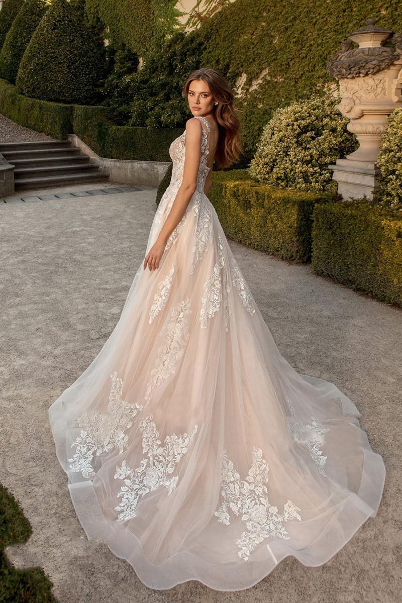 2021 luxury quality fashion women's V-neck dress sexy backless lace up wedding dress dignified temperament elegant wedding dress