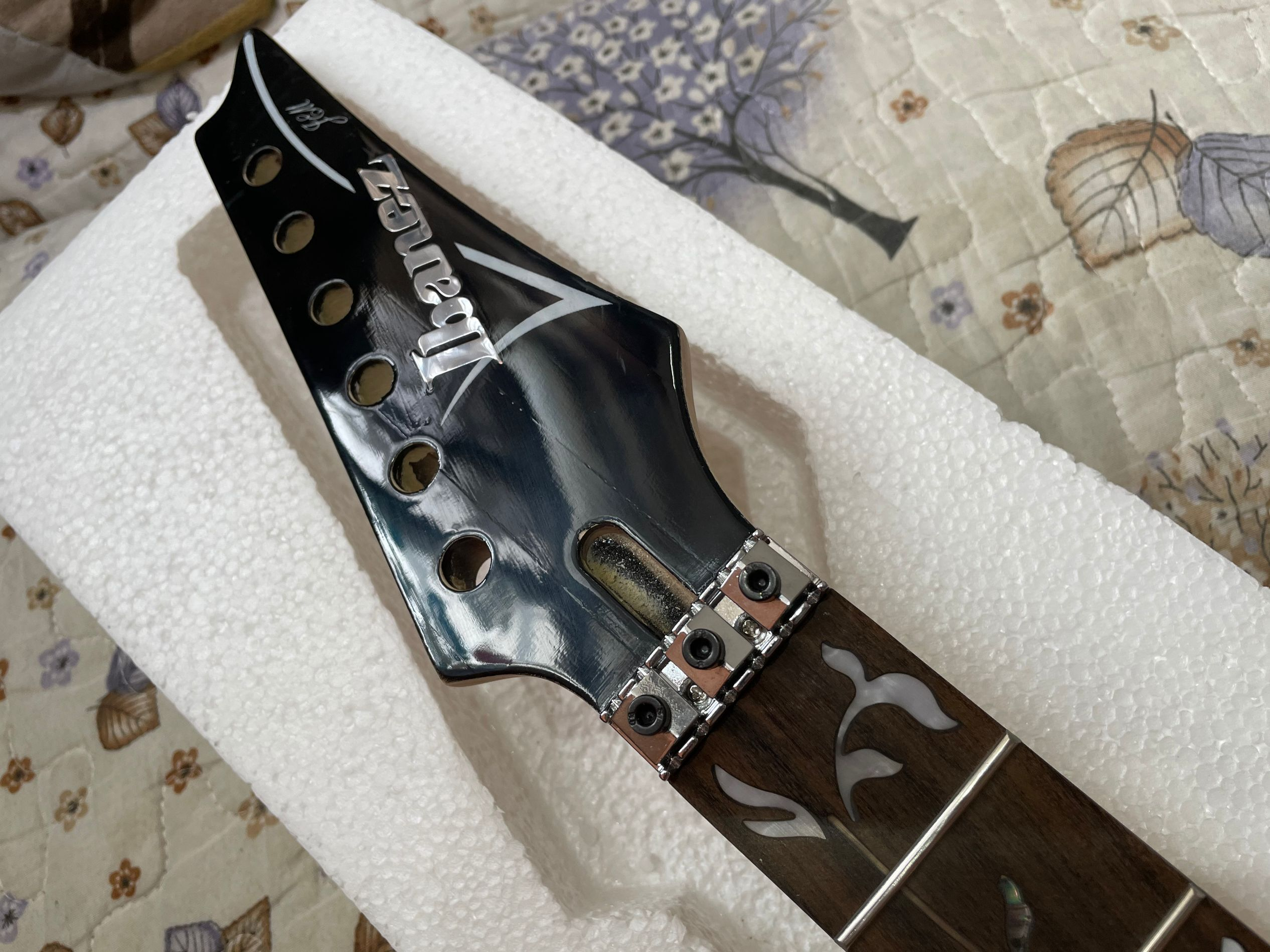 Factory custom Rose wood fingerboard 24 frets electric guitar neck with the tree of life onlay,21-24 scalloped neck, enlarge