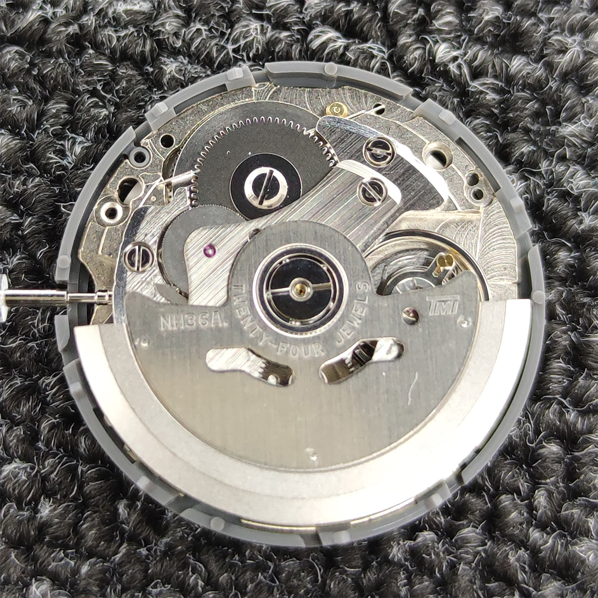 Brand New Original NH36 Movement Automatic Dual Calendar 3Oclock Crown 3.8 O'clock Crown Watch Movement Replacement Parts enlarge
