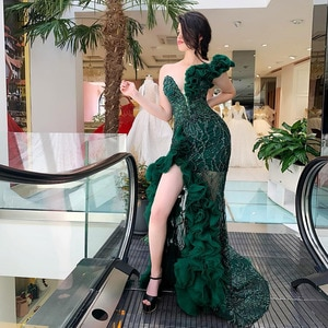 Sexy Emerald Green Beaded Lace Mermaid Evening Dresses See Thru Ruffles Long Prom Gowns Split Formal Party Dress One Shoulder