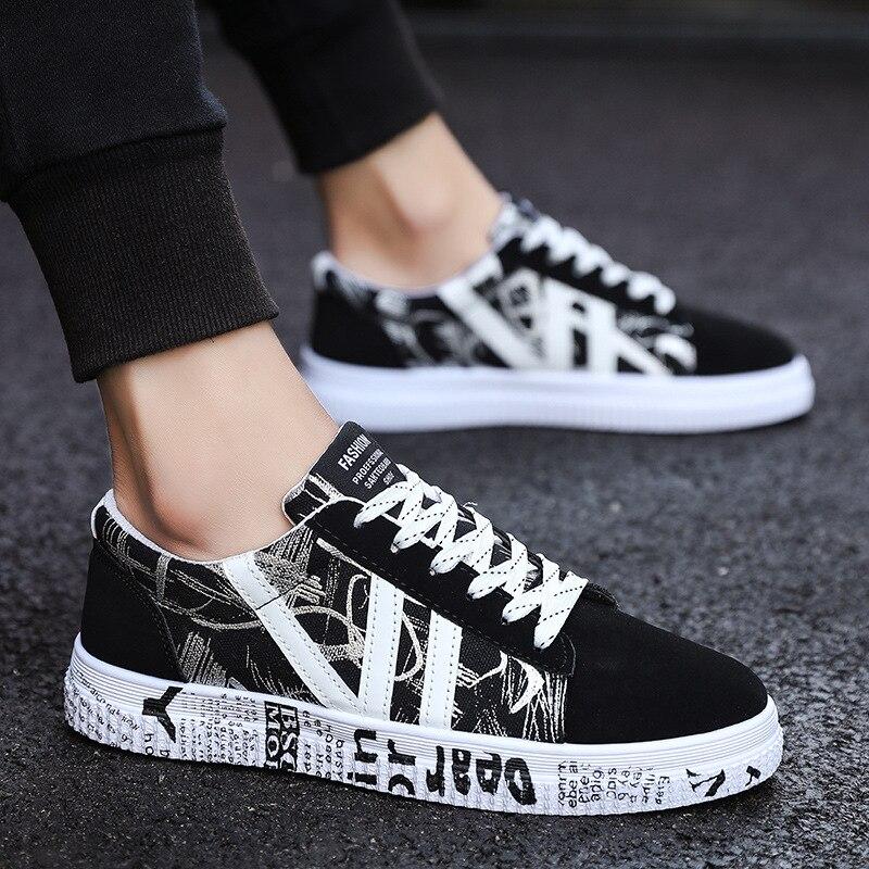 Nuevos zapatos de lona de primavera y verano, zapatillas bajas para hombres, zapatos blancos y negros, zapatos casuales para hombres, zapatos de moda de marca para hombres