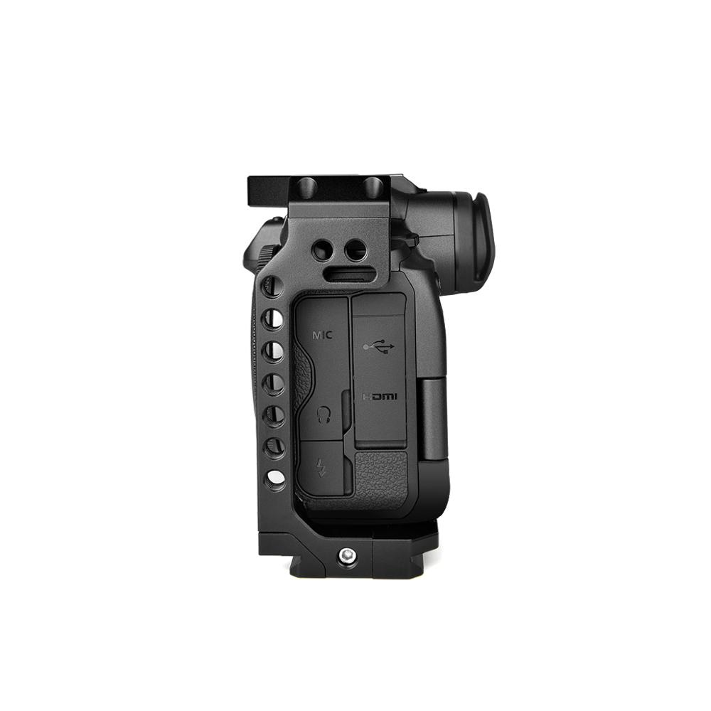 Yelangu C22 DSLR Camera Cage for Canon EOS R5 and R6 With Cold Shoe & NATO Rail 1/4'' & Quick release plate enlarge