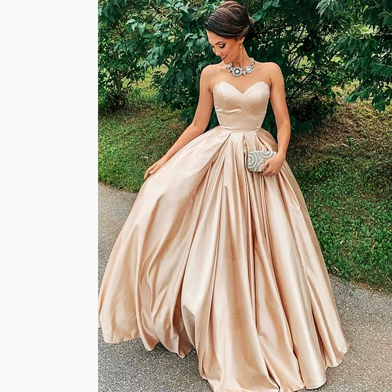 A Line Prom Dresses Lovely Sweetheart Backless Champagne Satin Party Wear Custom Made Floor Lenth Ruffle Princess Gown