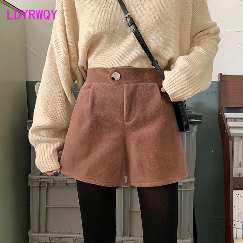 2019 autumn and winter Korean version of the wild wool wide leg female high waist casual shorts Harem  shorts