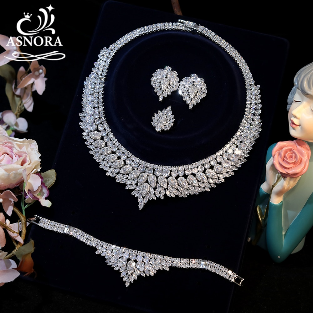 ASNORA الكلاسيكية 4-Piece مجموعة قلادة وأقراط ، عالية الجودة زركون الزفاف اكسسوارات الزفاف حفلة موسيقية مجوهرات