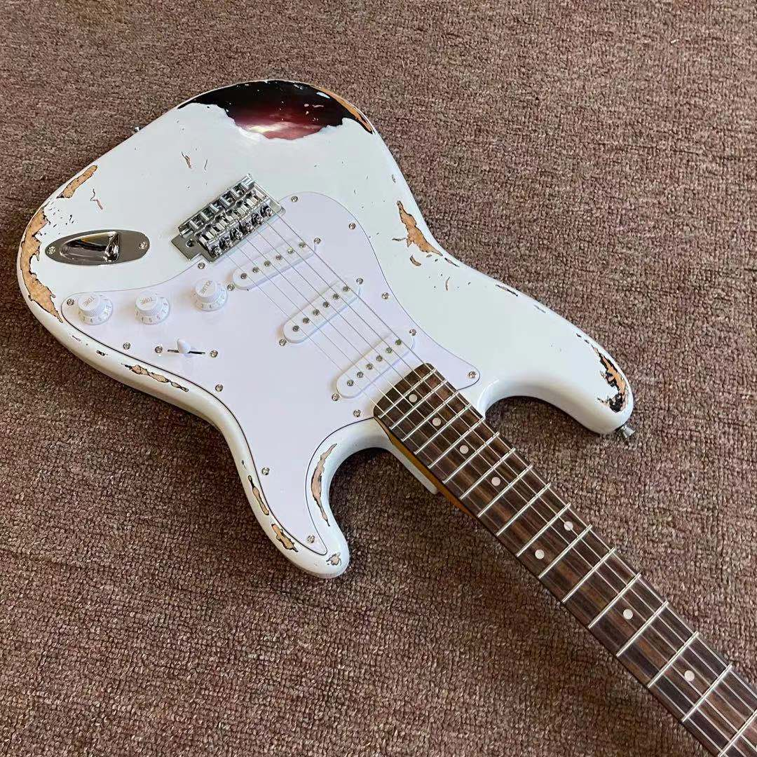Custom shop.Electric Guitar.relics by hands,white color.handmade 6 stings guitarra.Alder body.Rosewood fingerboard . enlarge