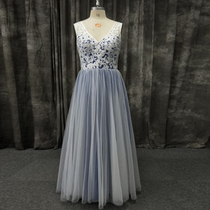 Real Photo Plus Size Prom Dress V Neck Sleeveless Lace Tulle Zipper up Evening Party Gown